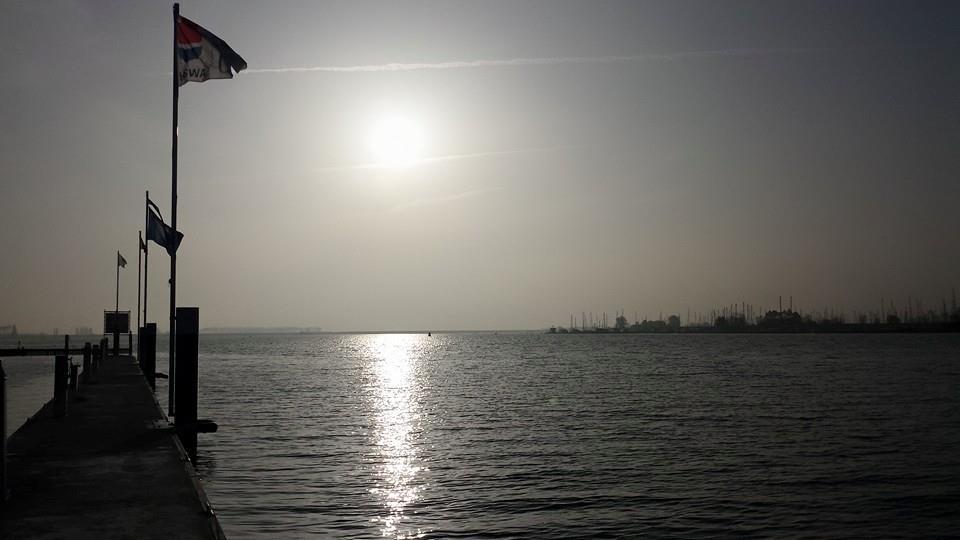 Het Veerse Meer, ter hoogte van Kortgene.